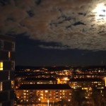 Fullmåne och sömnbrist.